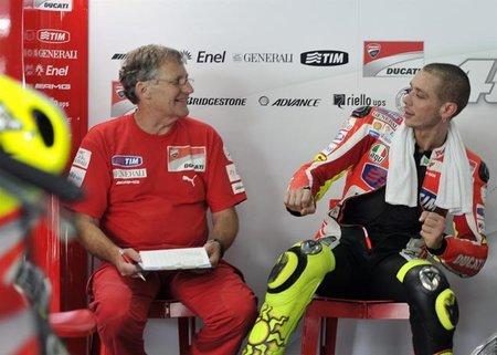Valentino Rossi y Jeremy Burguess en los test de Qatar