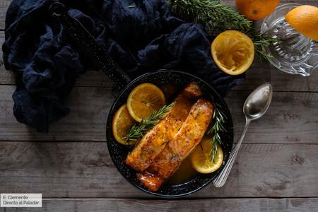 Salmón glaseado con naranja y romero