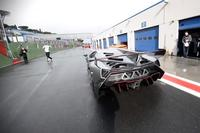 Video: El Lamborghini Veneno de paseo por Vallelunga