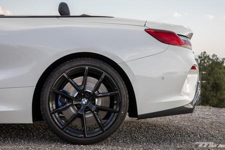 BMW M850i Cabrio llanta trasera