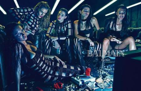 Adriana Lima, Joan Smalls, Rosie Huntington-Whiteley se dan al fast food para Balmain