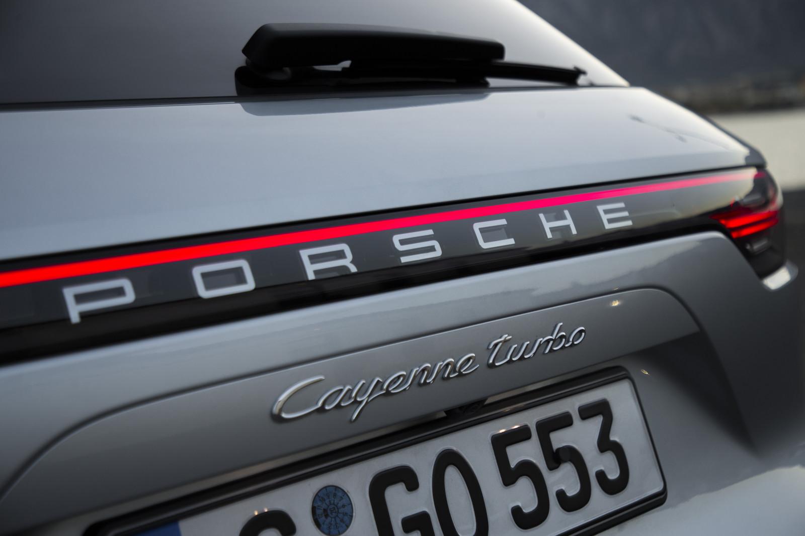 Foto de Porsche Cayenne Turbo 2018 (40/71)