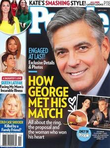 Toma anillaco que le ha plantado en el dedo a su novia George Clooney