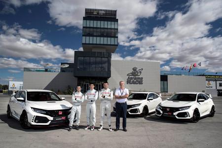 Marc Marquez, Dani Pedrosa y Toni Bou Honda Civic Type R