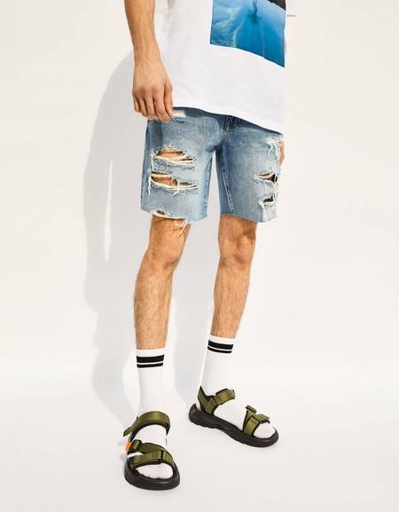 Con calcetines o sin ellos, éstas son las mejores sandalias para llevar en verano gracias a Bershka