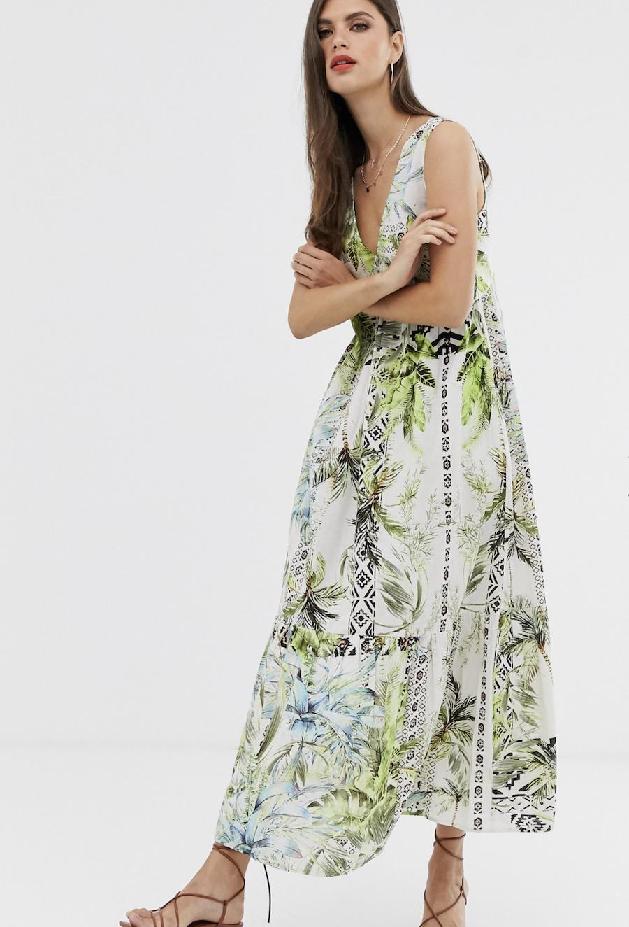 Vestido largo con estampado tropical y sobrefalda de ASOS DESIGN