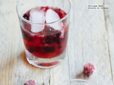 Coctel de vino espumoso con frutas rojas. Receta