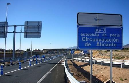 La autopista de peaje AP-7 iba a ser gratuita en 2020, pero ahora ya no está tan claro
