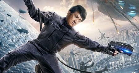Tráiler de 'Bleeding Steel': Jackie Chan le parte la cara a unos cyborgs en una delirante cinta de ciencia ficción