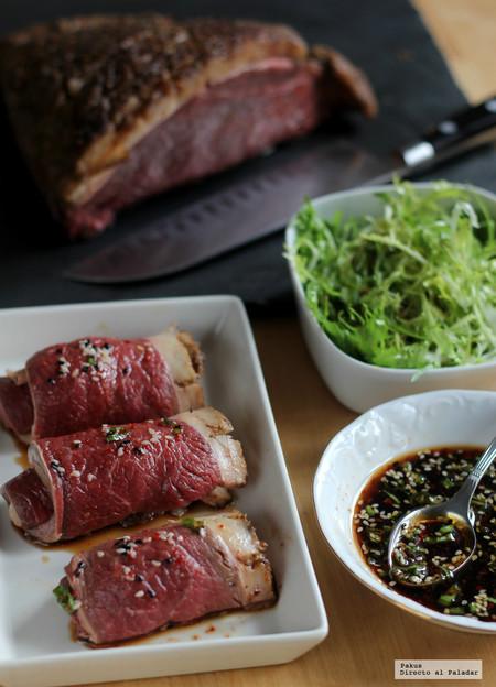 Ternera semiasada con salsa coreana. Receta con un punto picante
