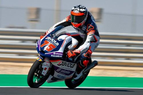 Albert Arenas domina en Catar para ser el primer líder del mundial de Moto3 en 2020