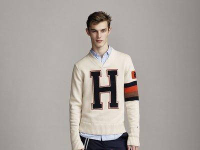 26 looks de otoño de Tommy Hilfiger para amar el estilo preppy
