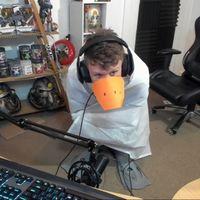 Hacer el ganso literalmente: este streamer ha fabricado un disfraz que sirve para jugar a Untitled Goose Game