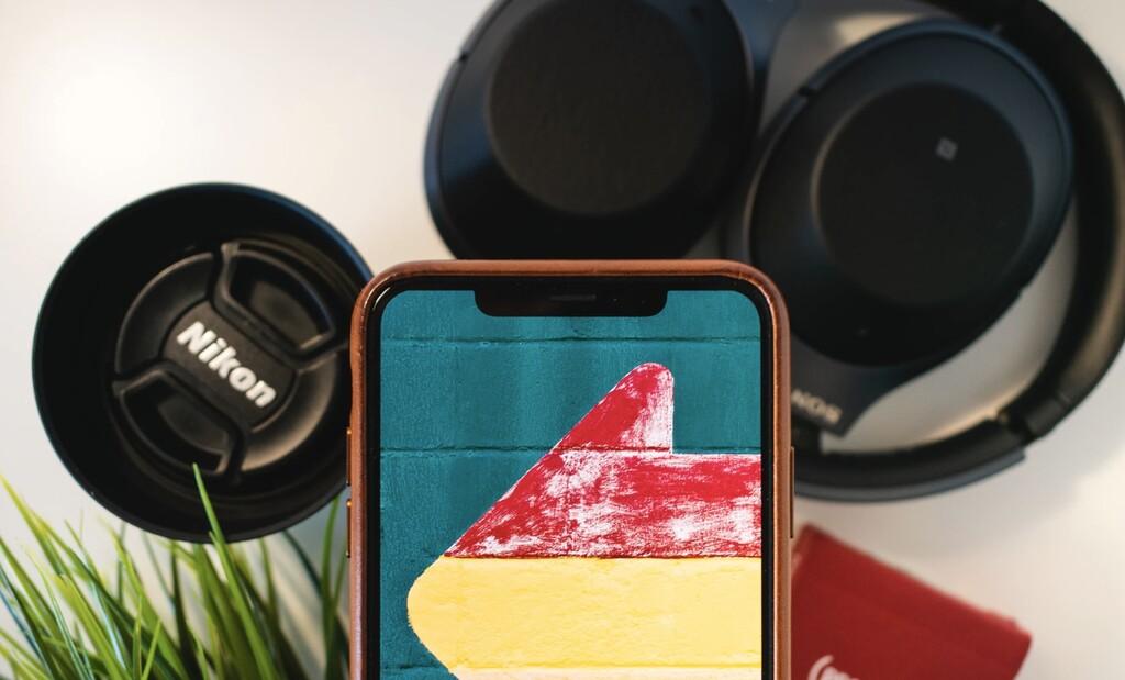 Adiós al 'notch' en 2022 y un plegable en 2023: Ming-Chi Kuo informa sobre los iPhone del futuro lejano