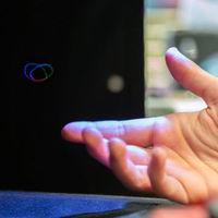 Un holograma en 3D con tacto y audio: así es el efecto que parece hacer realidad la famosa transmisión de Leia en 'Star Wars'