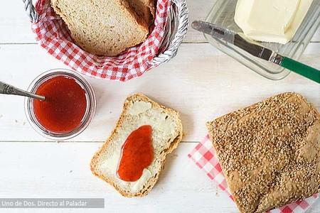 Pan de espelta y soja, receta de pan casero para el desayuno