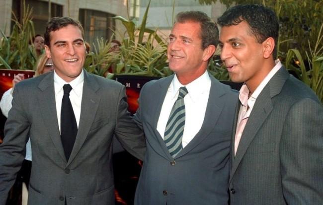 Joaquin Phoenix, Mel Gibson y M. Night Shyamalan
