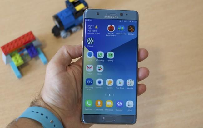 Los problemas en los Galaxy Note 7 se debieron a las prisas por adelantar al iPhone 7 según Bloomberg