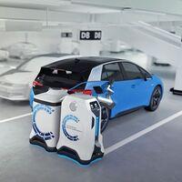 Volkswagen muestra al mundo su robot para cargar coches eléctricos: tiene ojos y buscará a los autos que les falte energía