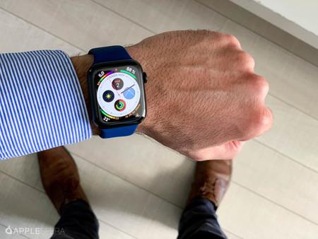 Registra tu actividad física con el Apple Watch Series 4 GPS de 44 mm, por 349 euros en MediaMarkt