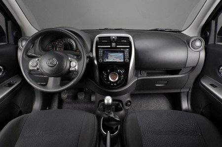 Nissan Micra Salpicadero