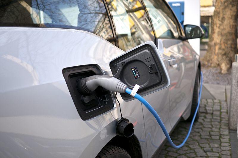 Cargar tu coche y suministrar energía a casa: así es este proyecto de cargador doméstico de vehículos eléctricos made in Valencia