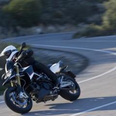 Foto 39 de 103 de la galería aprilia-dorsoduro-1200-mega-galeria-de-fotos-oficiales en Motorpasion Moto