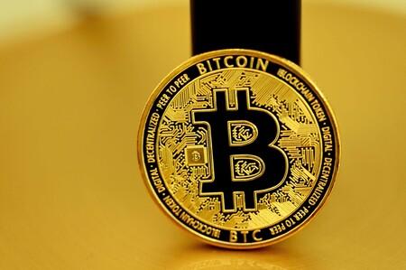 China lo hunde pero Paypal lo rescata: el bitcoin alcanza los 50,000 dólares con el anuncio de que Paypal permitirá su compra en UK
