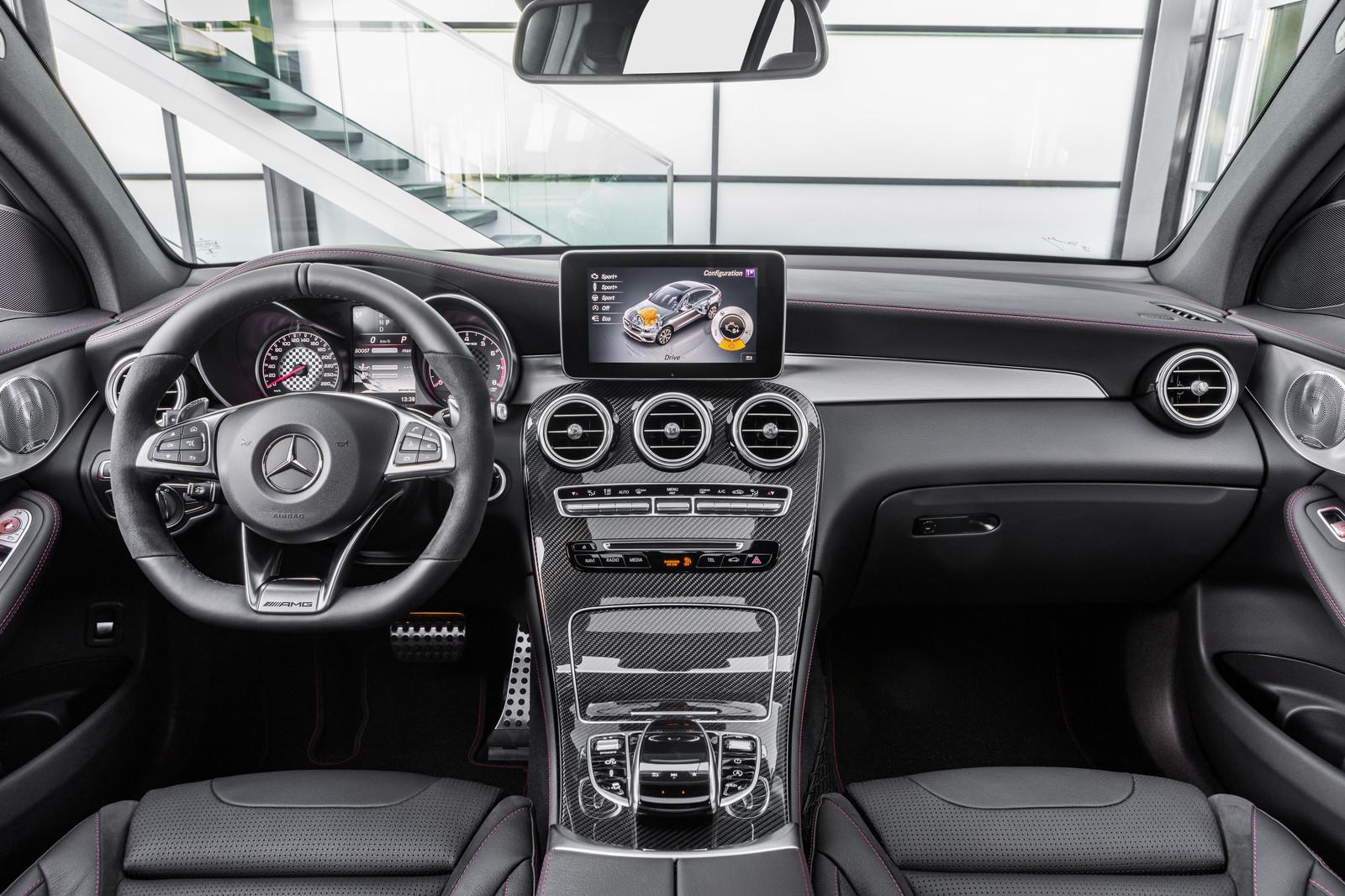 Foto de Mercedes-AMG GLC 43 4MATIC Coupé (22/24)
