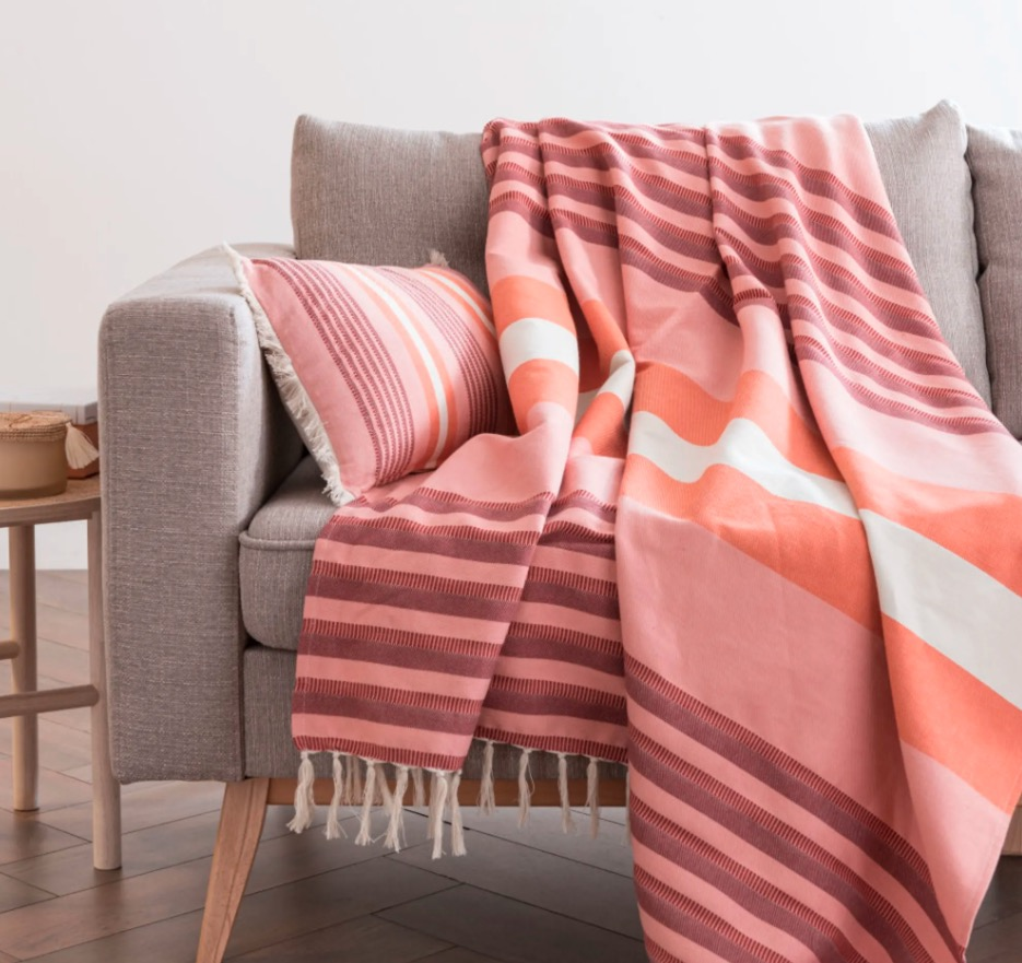 Manta de algodón tricolor con estampado de rayas y flecos 160x210