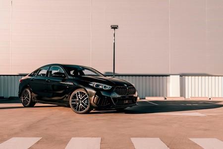 El BMW Serie 2 Gran Coupé Black Shadow lo apuesta todo al negro para ganar agresividad, desde 37.675 euros