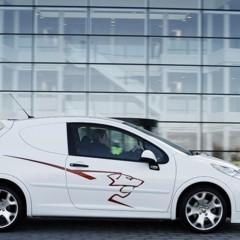 Foto 3 de 4 de la galería accesorios-deportivos-para-el-peugeot-207-version-comercial en Motorpasión