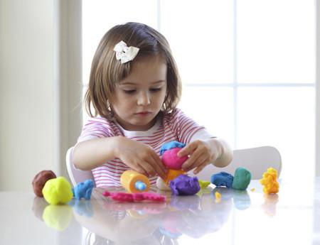 Juegos para estimular la habilidad manual del bebé (motricidad fina)