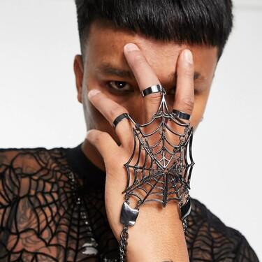 Estos accesorios de ASOS llevarán tu disfraz de Halloween (o tu look de día de brujas) a otro nivel