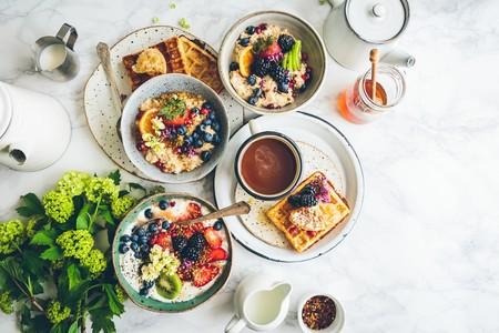 Transforma tus desayunos rutinarios en momentos especiales con estas 10 ideas para preparar desayunos bonitos (e instagrameables)