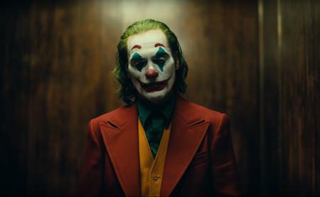 Primer tráiler de 'Joker': ya podemos ver a Joaquin Phoenix mostrándonos los crueles y duros orígenes del villano de Gotham