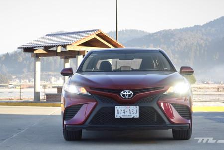 Toyota Camry 2018 5