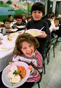 Profesores y padres trabajan conjuntamente para mejorar la alimentación infantil
