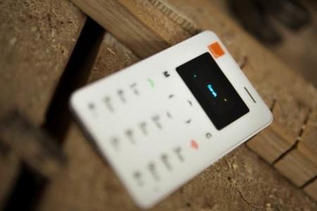 Card Phone, el teléfono secundario de Orange del tamaño de una tarjeta de crédito