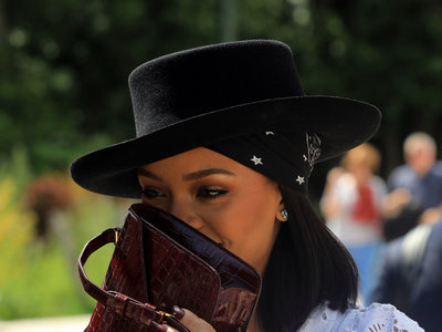 Rihanna tiene nuevo novio y no pierde el tiempo en cuestiones fashion: ¡ya lucen estilismos en pareja!