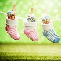 ¿Vas a tener un hijo en 2019? Estas son las ayudas estatales por hijo que ofrece el Gobierno
