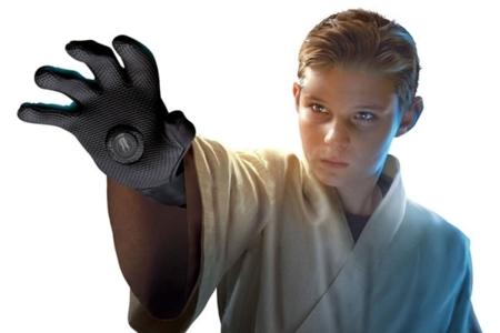 """Siéntete un Jedi con la ayuda de un guante que te da """"La Fuerza"""""""
