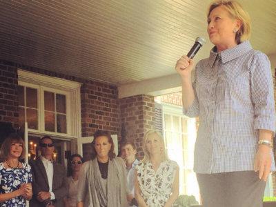 El secreto mejor guardado de Hillary Clinton: Anna Wintour es su asesora de estilo en campaña