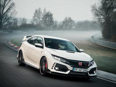 ¡Aquí hay guerra! El Honda Civic Type R 2017 vuelve a ser el rey de los delantera en Nürburgring: 7:43 minutos (con vídeo)