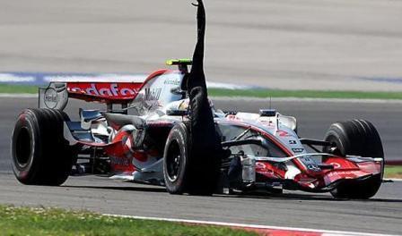 Lewis Hamilton con problemas de chunking