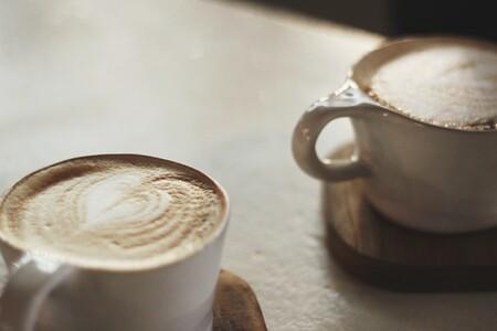 Esta cafetera Espresso de Solac con vaporizador de leche está a precio mínimo en Amazon: 59,99 euros y envío gratis