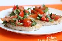 Receta de bruschetta de tomate bola y albahaca