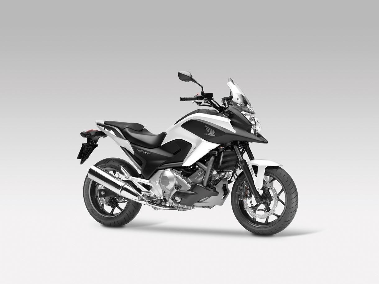 Foto de Honda NC700X, Crossover significa moto para todo (8/15)