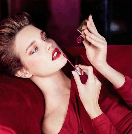 Natalia Vodianova, impresionante con el Look de Maquillaje Otoño 2012 de Guerlain