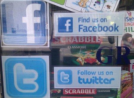 Decorar tu empresa con los mensajes recibidos de tus clientes en las redes sociales